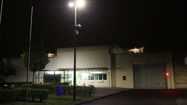 アルバクル容疑者は24時間監視下にあったと報じられている