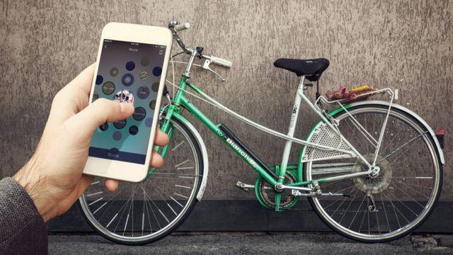 Blippar enfocando una bicicleta.