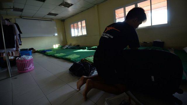 โรงเรียนกวดวิชาเตรียมทหารบางแห่งเป็นโรงเรียนกินนอน