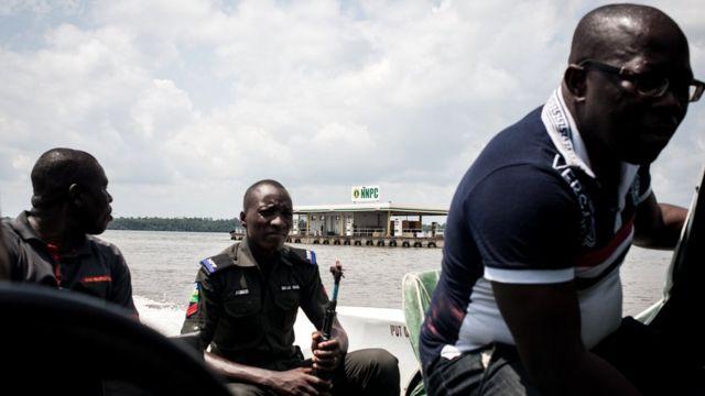Патруль полиции Нигерии