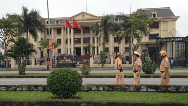 Tòa án xét xử bác sĩ Lương không khách quan