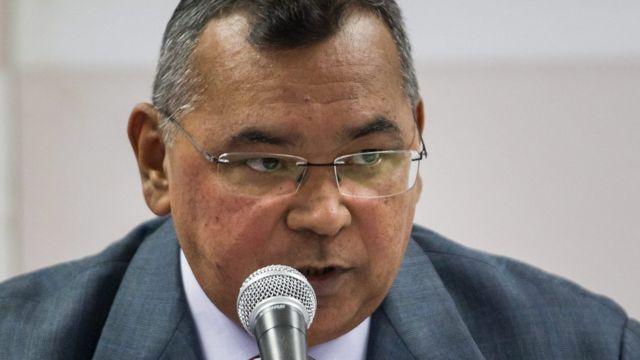 El ministro Néstor Reverol