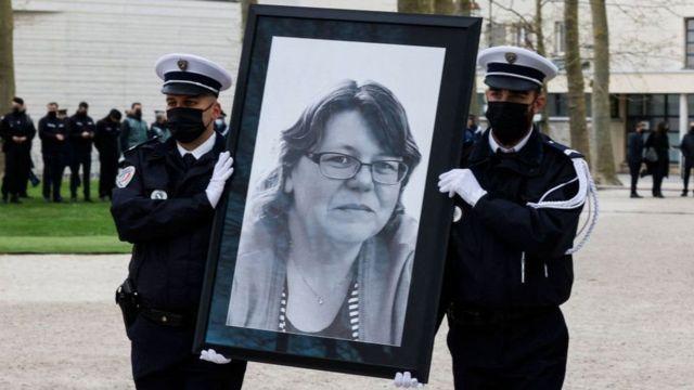 استفانی مونفرمه ماه پیش در حمله به پاسگاه پلیس کشته شد