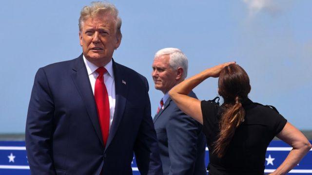 Donald Trump, Mike Pence y su esposa Karen en Cabo Cañaveral