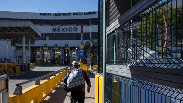 メキシコは米国の新指針を受け入れないとしている(写真は米国との国境にある検問所)