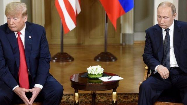 """Sebelum KTT, Putin mengatakan kini saatnya membicarakan """"masalah multi-nasional yang rumit""""."""