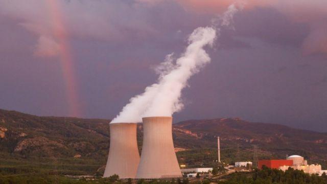 Planta nuclear en Valencia, España.