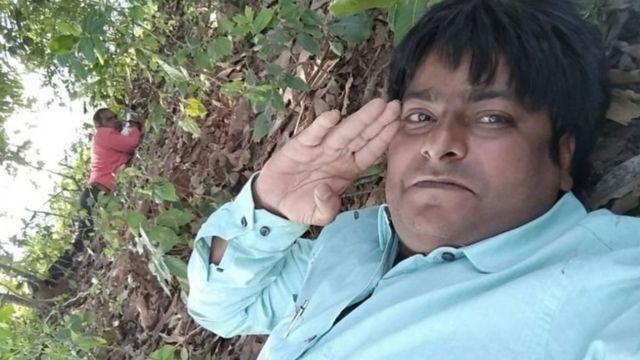मोर मुकूट शर्मा