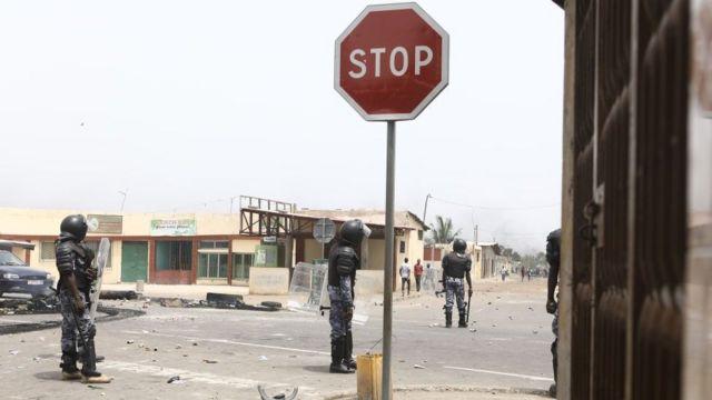 Une scène de confrontation entre forces de l'ordre et manifestants à Lomé.