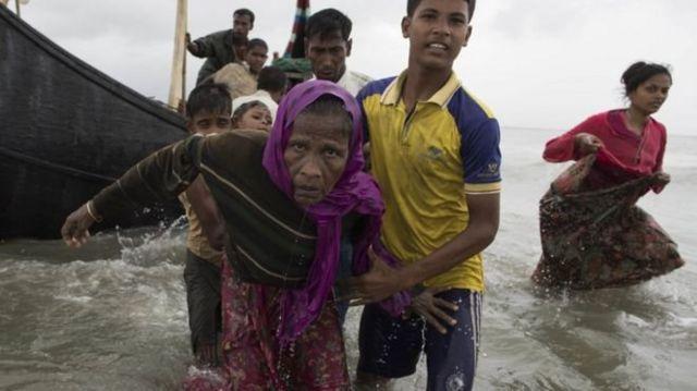 صدها هزار نفر از مردم این قوم وارد بنگلادش شده اند