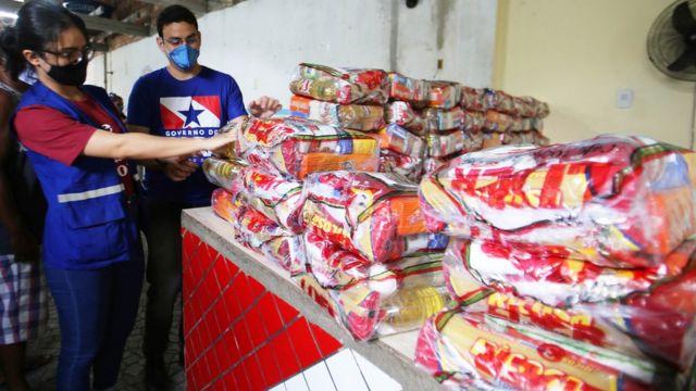 Distribuição de cestas básicas no Pará