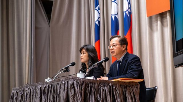 Kolas Yotaka (L) Spokesperson of the Executive Yuan, ROC (Taiwan) and Administrative councillor Gong Mingxin (R) explain the measures taken by the government to mitigate the medical and economic fallout of the virus in Taipei.