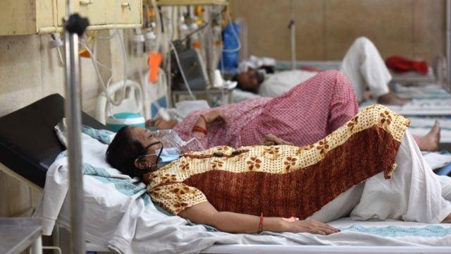 Coronavirus: India supera los 300.000 casos diarios de covid-19 mientras el  oxígeno escasea - BBC News Mundo