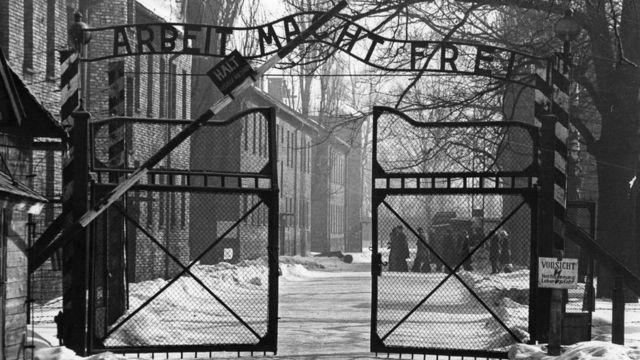 Entrada al campo de concentración de Auchwitz