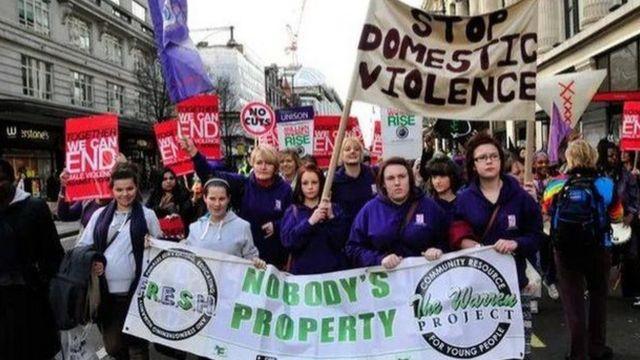 Ev içi Şiddet Yasası kadın grupları tarafından uzun süredir bekleniyor