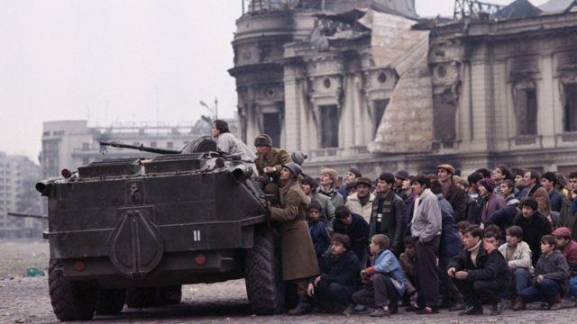 ارتش رومانی به مخالفان چائوشسکو پیوسته بود
