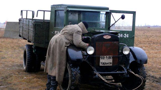 Механік і вантажівка
