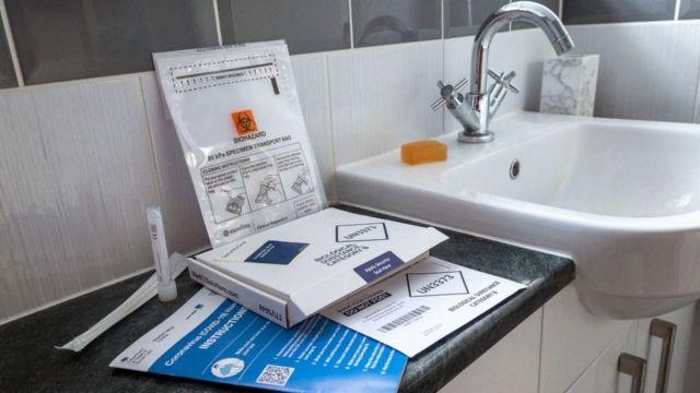 Bộ xét nghiệm Covid-19 tại nhà ở Anh