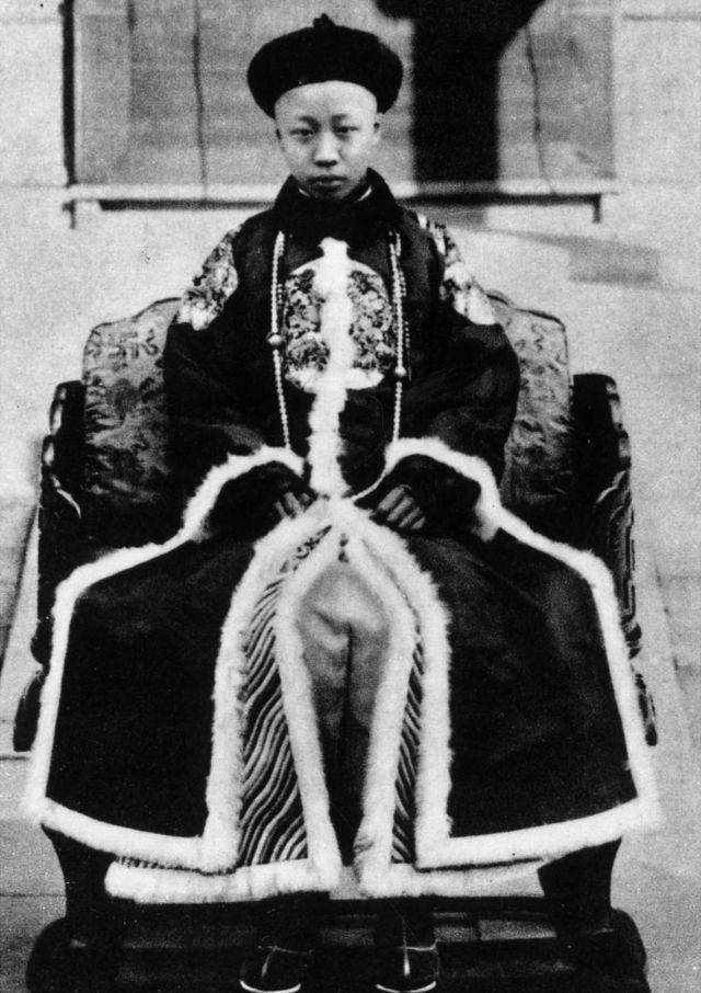 El emperador, a los 11 años.