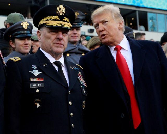 Mark Milley và Donald Trump tháng 12 năm 2018