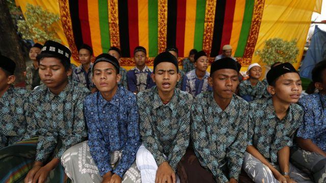 peringatan tsunami banda aceh