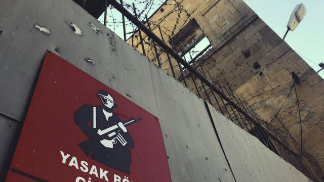 Cartel militar en Nicosia