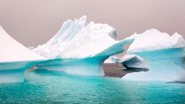 पिघलता हुआ बर्फ़