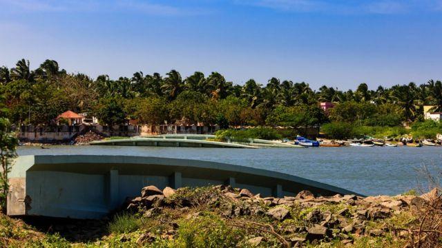 Цунами 2004 года в Индийском океане привело к страшным разрушениям