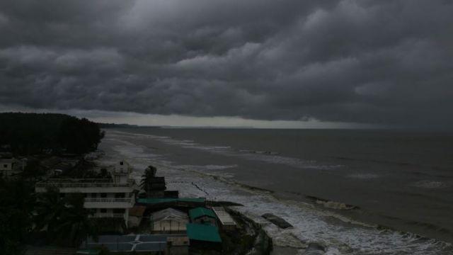 المناطق الساحلية الخصبة في بنغلاديش عرضة للأعاصير المدمرة