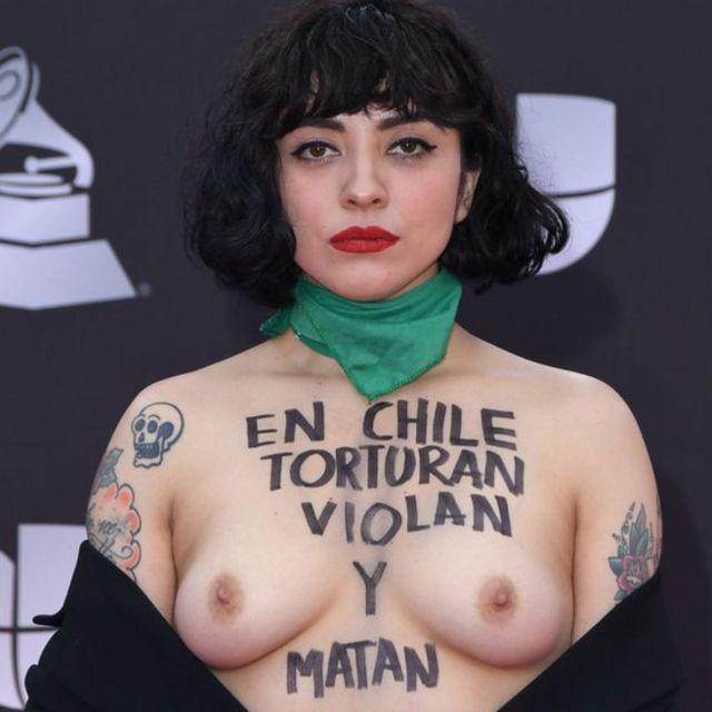 Mon Laferte en los Grammys