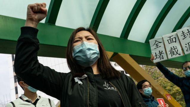 Medicinski radnici štrajkuju u blizini bolnice Kvin Meri