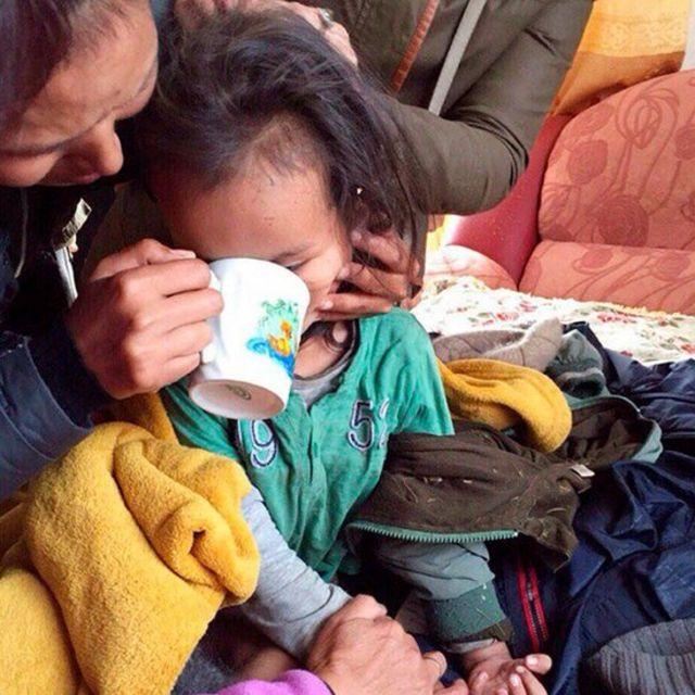बचाव दल ने जब सेरिन को खोजा वे भूखे थे, लेकिन स्वस्थ्य थे