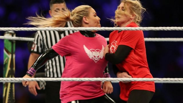 أول مباراة مصارعة نسائية تشهدها السعودية بمشاركة النجمتين ناتاليا ولاسي إيفانز