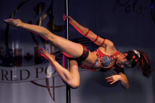 اولین دوره مسابقات جهانی رقص میله در زوریخ