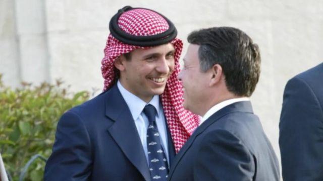 العاهل الأردني وأخيه غير الشقيق حمزة بن الحسين