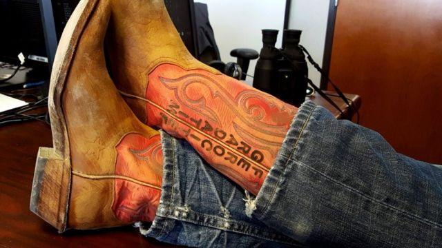 """Гасло Blue Origin на """"техаських"""" черевиках Безоса"""