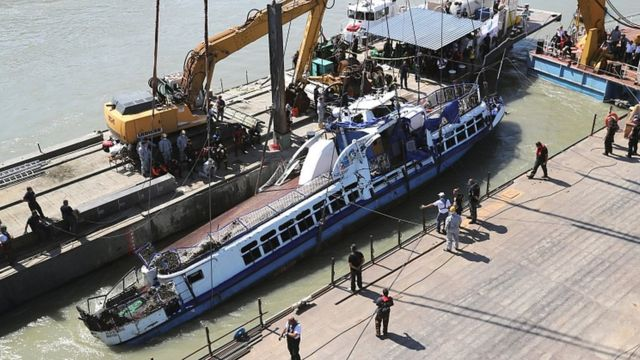 Hungary tourist boat accident: More bodies found as vessel is raised