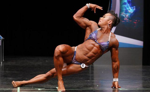 她认为,肌肉不分男女。