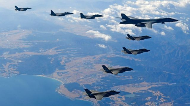 US jets fly over the Korean Peninsula during the Vigilant air combat exercise in December 2017