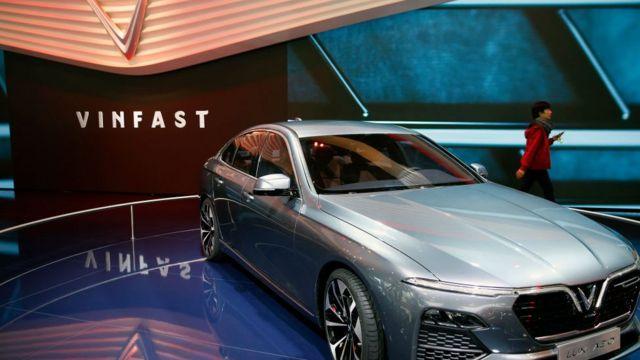 Chiếc Vinfast LUX A 2.0 được trưng bày trong ngày họp báo thứ hai của Paris Motor Show vào ngày 3 tháng 10 năm 2018 ở Paris, Pháp.