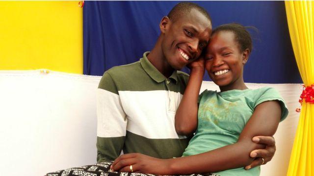 Kenyan couple hailed online for frugal $1 wedding