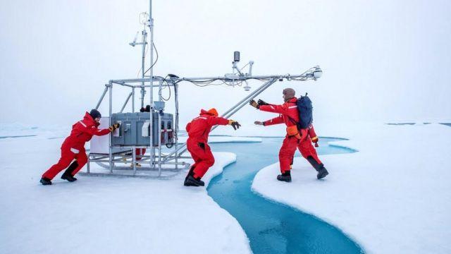 Científicos de la mayor expedición de investigación jamás realizada en el Ártico.