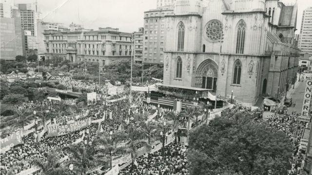 Ato por eleições diretas na praça da Sé, em São Paulo