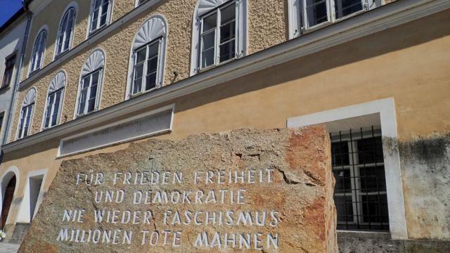 O local de nascimento de Hitler, em Braunau, na Austria