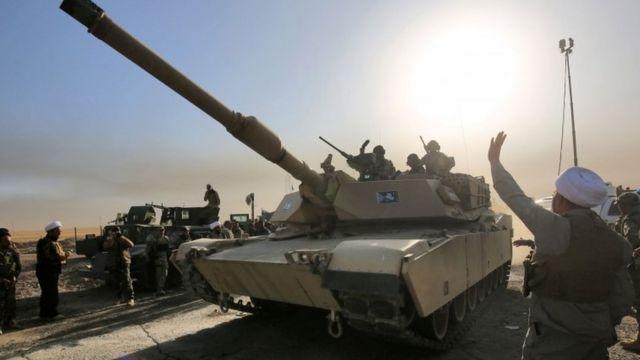 イラク軍は南からモスルに進軍している