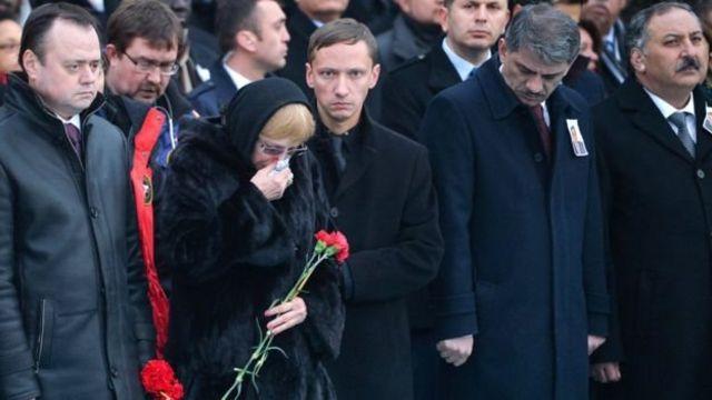 مراسم رسمية لتشييع السفير كارلوف قبيل مغادرة جثمانه لروسيا