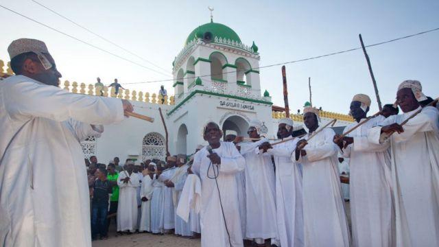 المؤمنين خلال الاحتفالات بالمولد النبوي