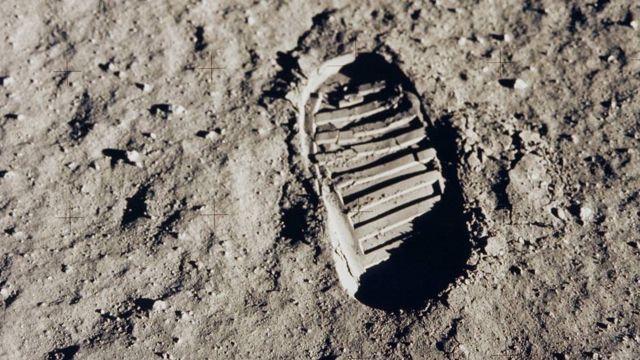 Huella de la bota de Aldrin en la superficie lunar