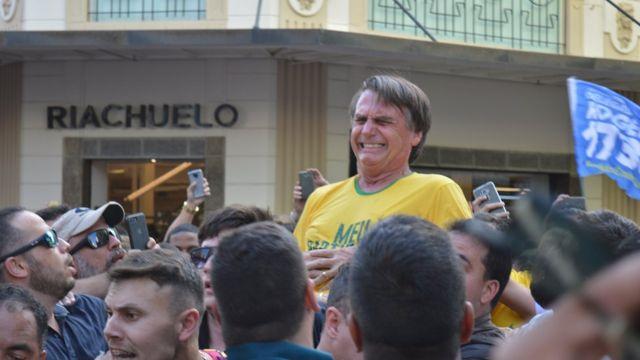 O deputado federal Jair Bolsonado, candidato à Presidência pelo PSL, passou a noite em hospital de Juiz de Fora após sofrer ataque