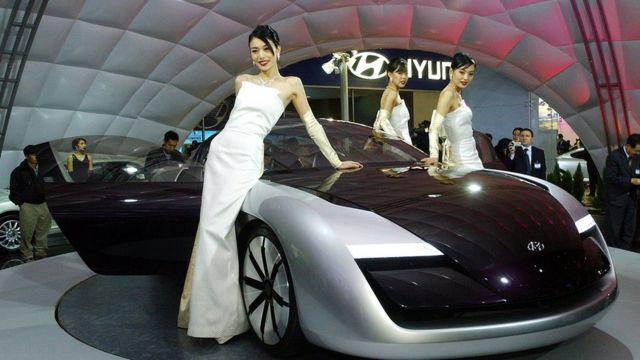 Modelos con un auto Hyunday